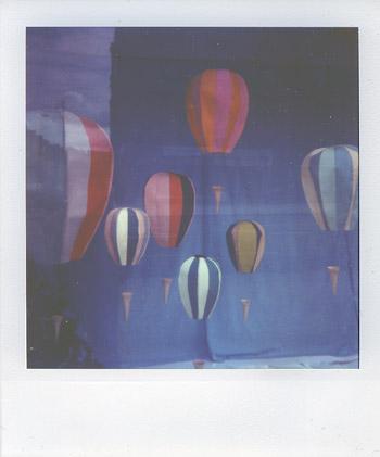 Polaroidballoonswb